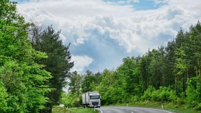 Emissioni CO2: come ridurle e risparmiare sulla benzina